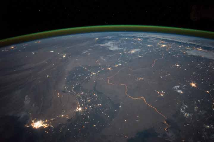 The India-Pakistan border in 2015, as viewed from the International Space Station. Photo by the ISS Crew Earth Observations Facility and the Earth Science and Remote Sensing Unit, Johnson Space Center, in the public domain.