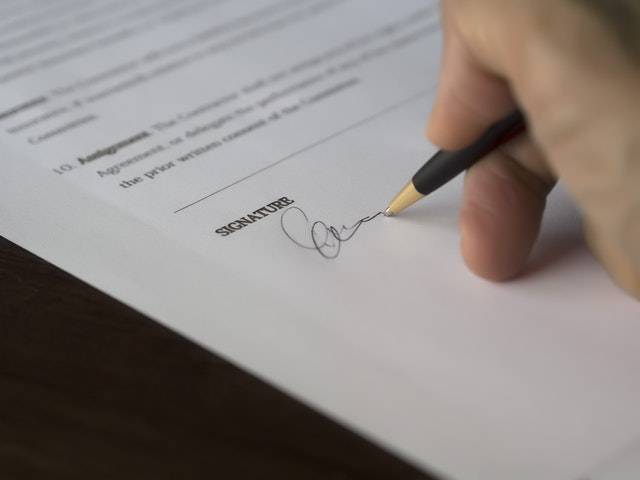 How to Get Out of a Contract | Illinois Defenses to Breach of Contract Explained