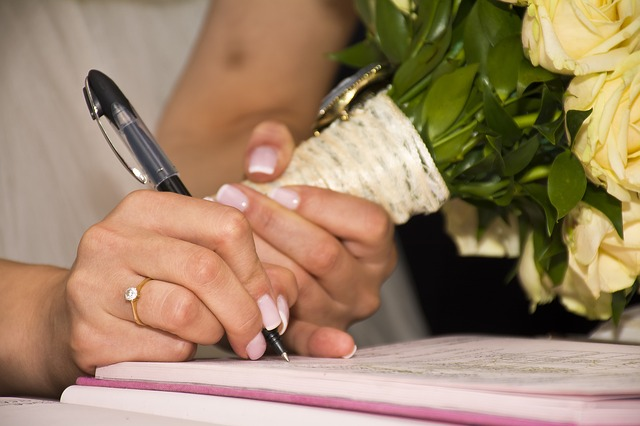 Illinois Prenuptial Agreements Explained | Illinois Premarital Agreements Explained