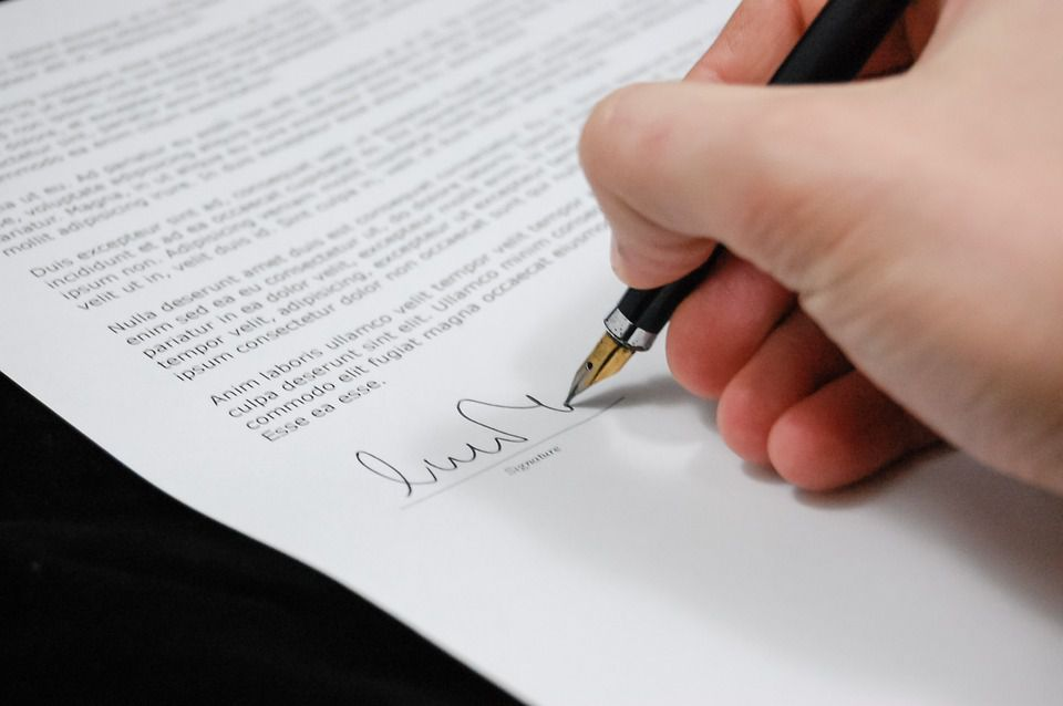 What is Needed for a Contract to be Legally Binding? , Illinois Contract Law , Does a Contract Have to be In Writing to Be Legally Binding? , Letters of Intent and Non-Binding Contracts Explained