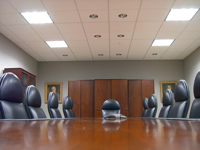 How to Conduct a Meeting of Shareholders for a Corporation or S-Corp