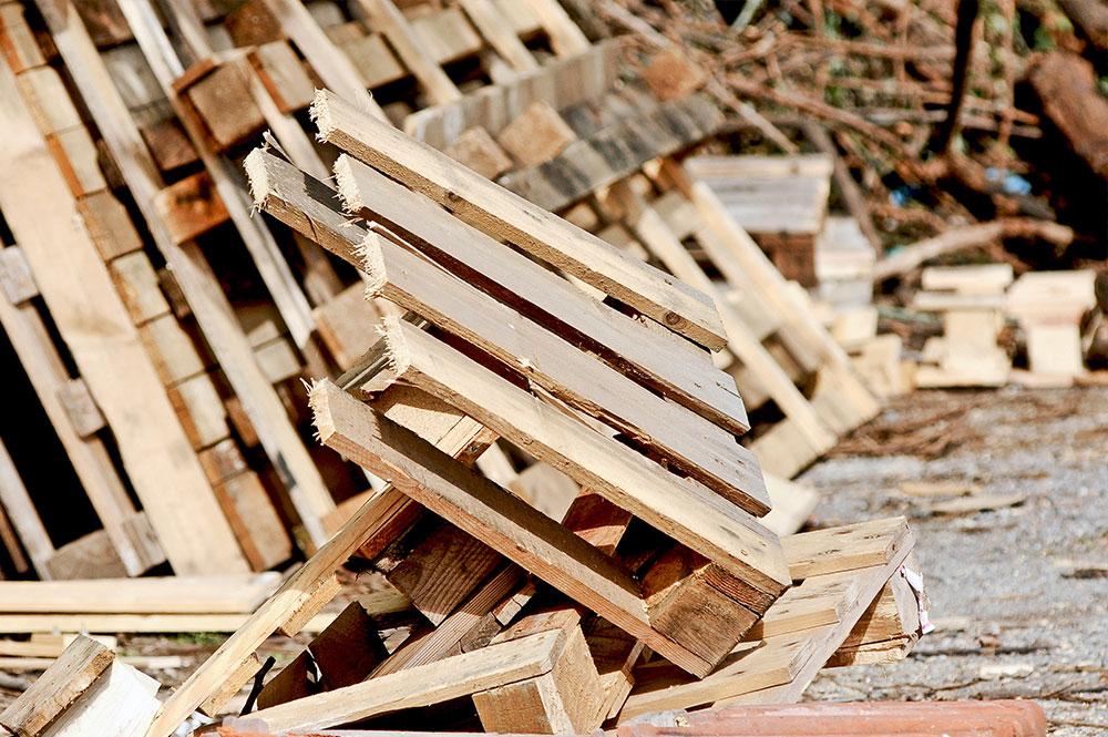 Riciclaggio etriturazionelegno carta e cartone