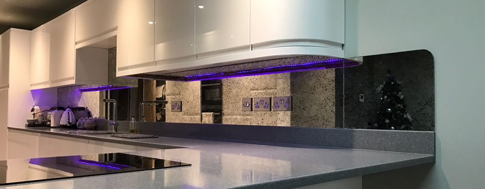 Kitchen splashback with neon light
