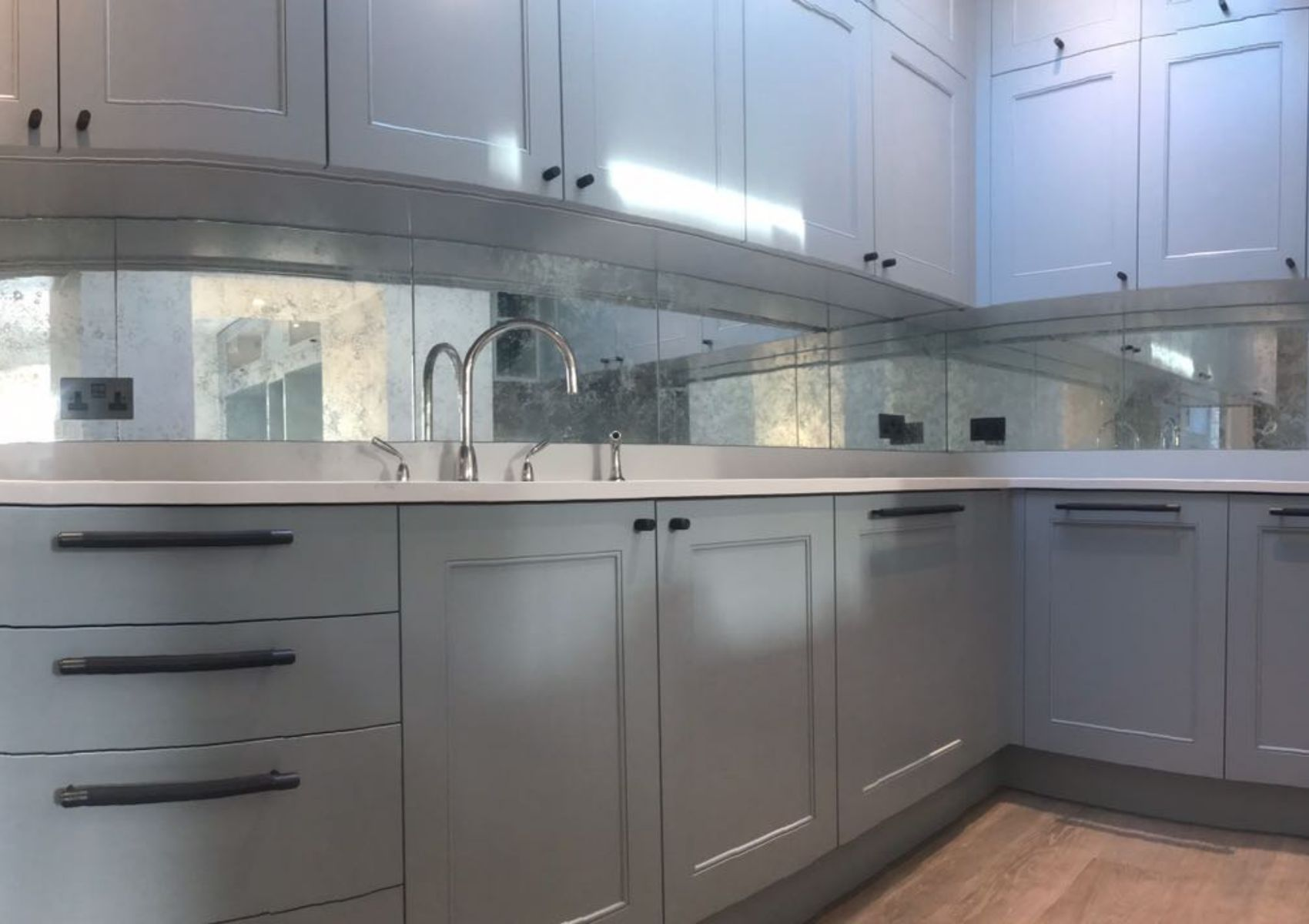 White Vintage Splashback in Kitchen