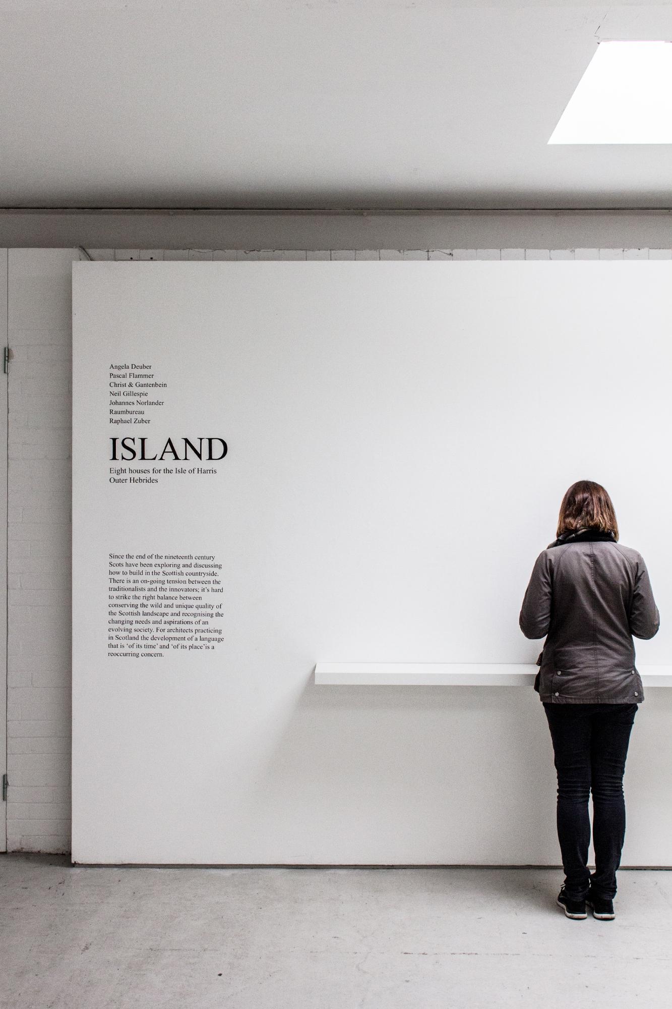 Island: Eight Houses