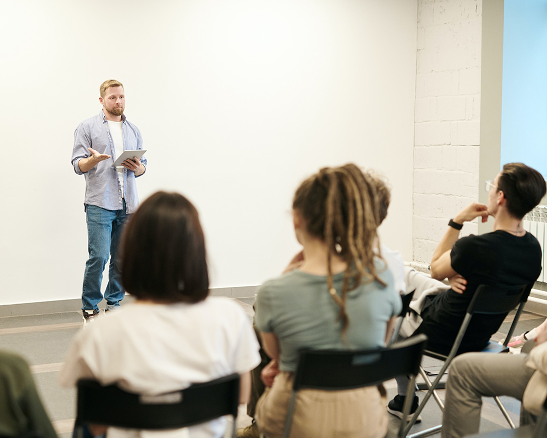 Presenting in Front of Class: How a Solid Outline and Format Can Overcome Nervousness