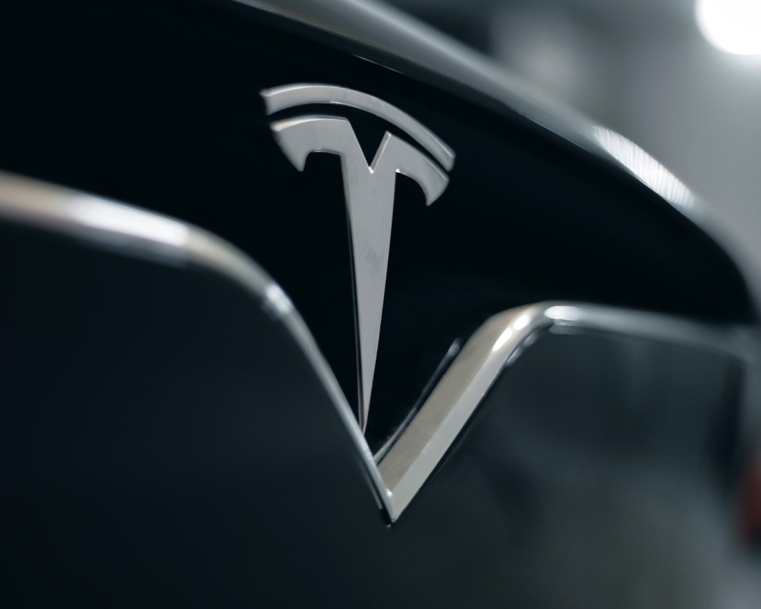 PowerPoint Makeovers: The Tesla Investor Presentation