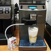 Автоматическая зерновая кофемашина Saeco Lirika One Touch Cappuccino