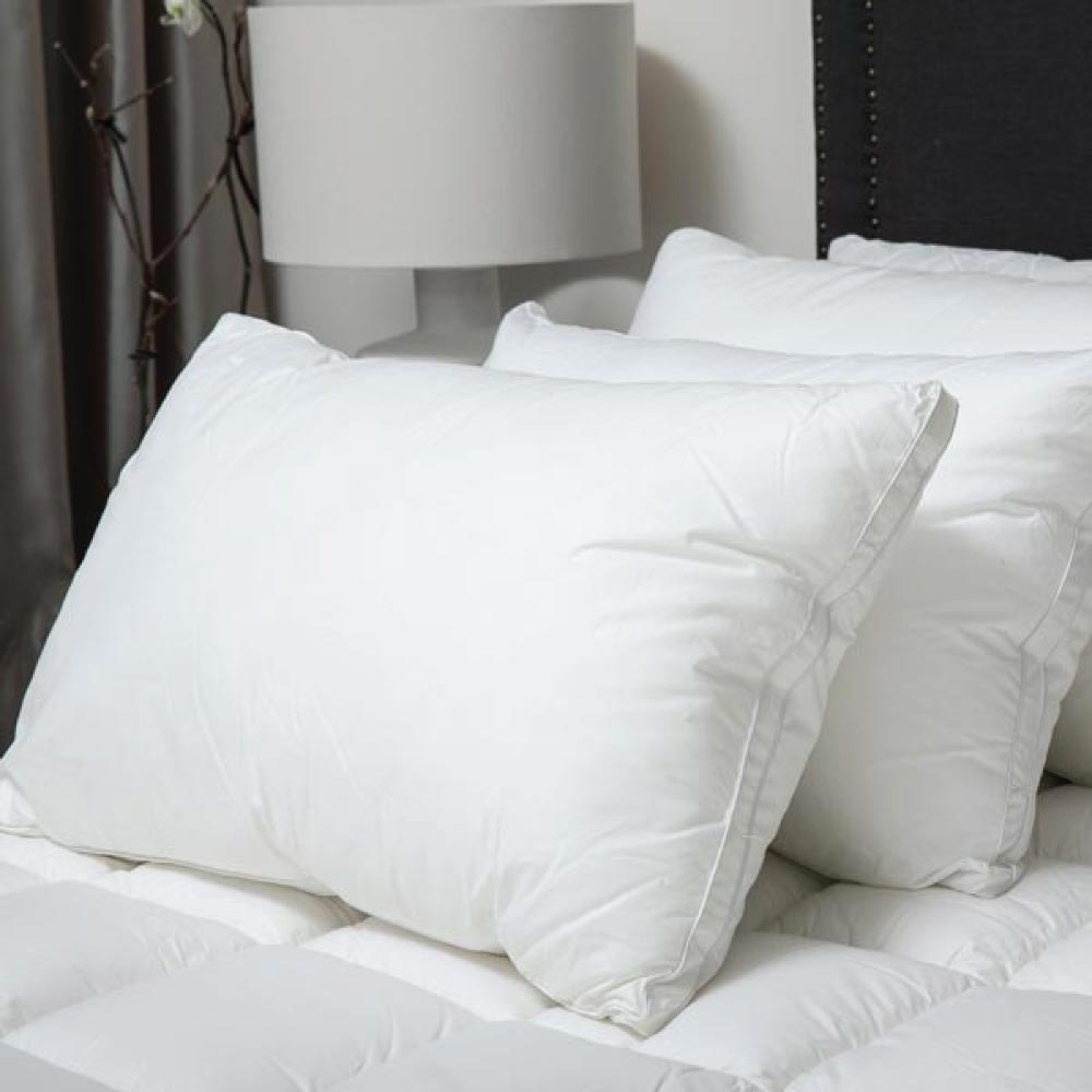 MicroCloud Hotel Pillow