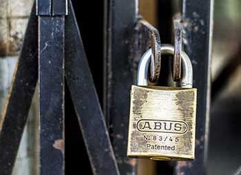 avoiding locksmith scams