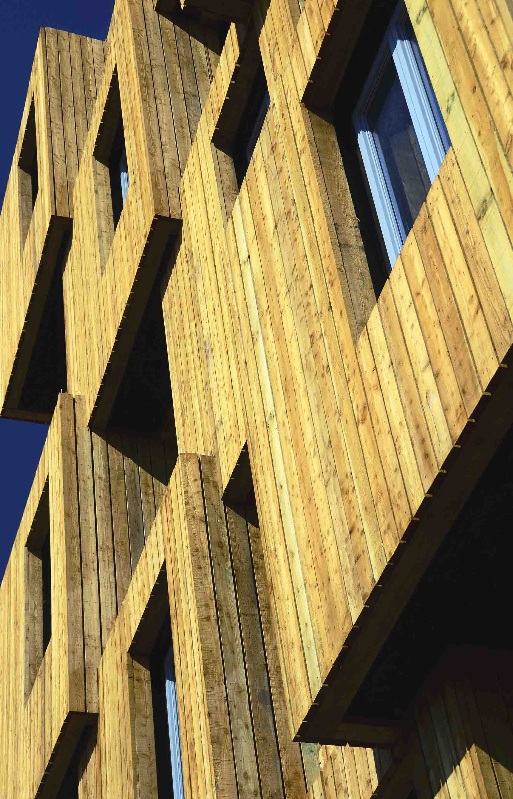 End elevation window detail of Gloworks by Ash Sakula Architects