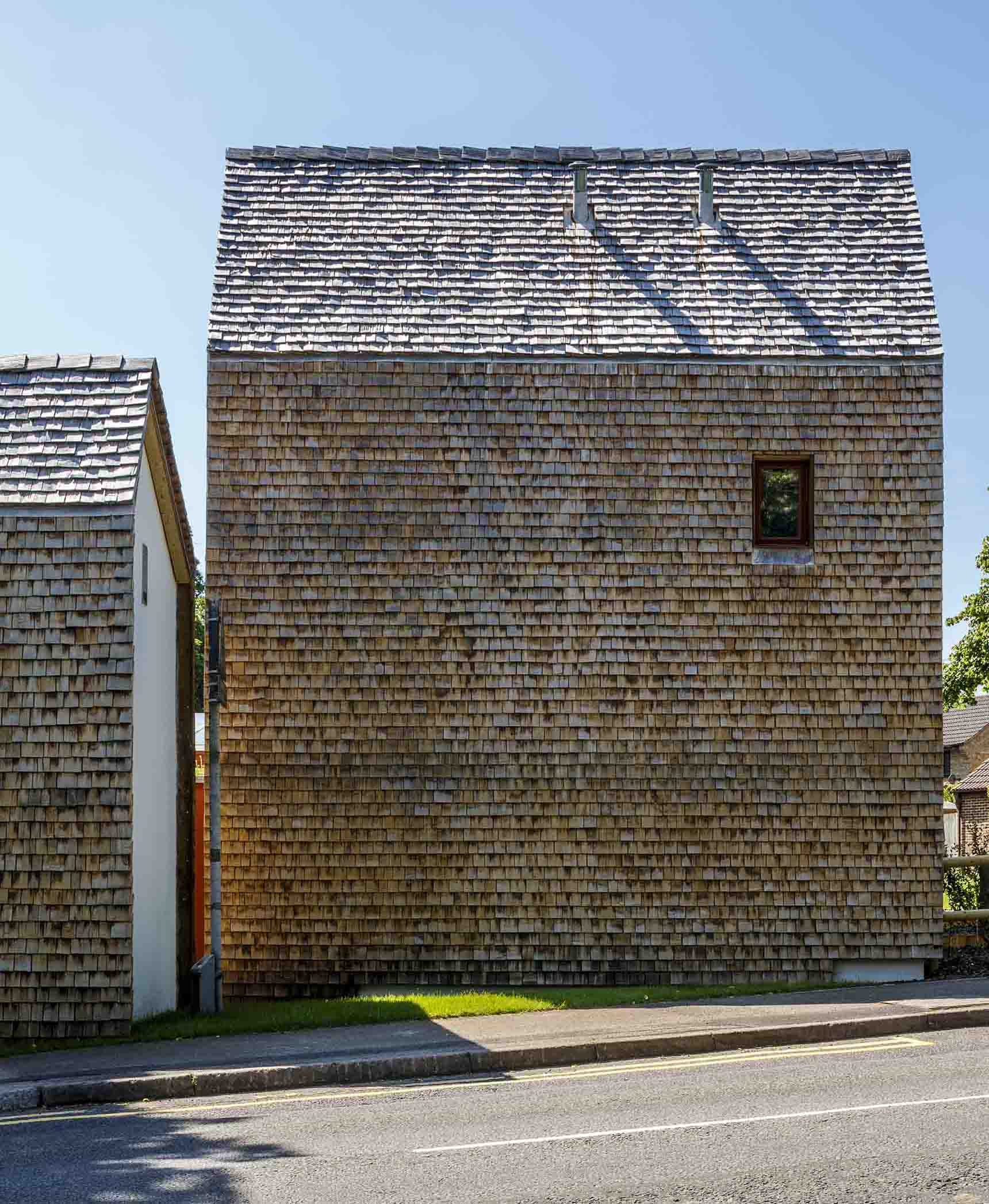 Exhibition Mews Ash Sakula three houses locally source chestnut roof local materials