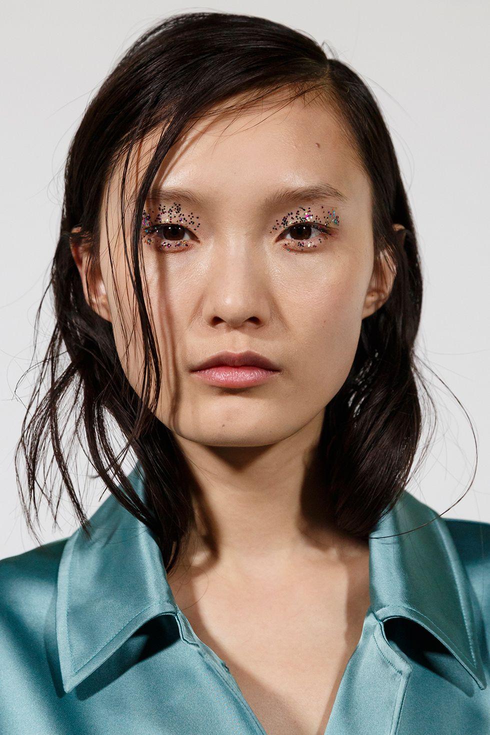 Glitter - Winter Beauty Trends