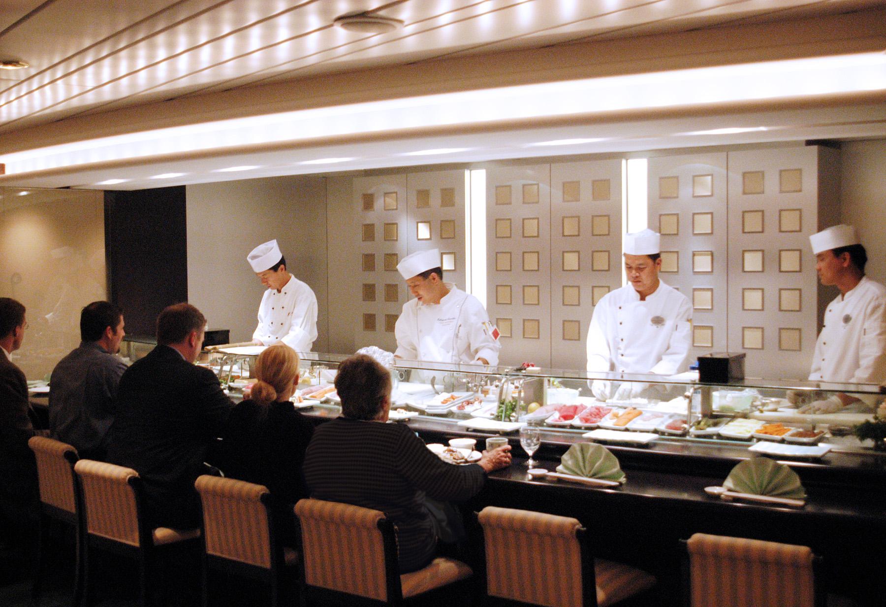 Crystal Serenity - Restaurant Umi Uma - Sushi Bar