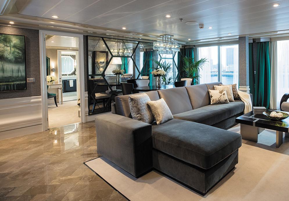 Seven Seas Splendor - Grand Suite Wohnzimmer