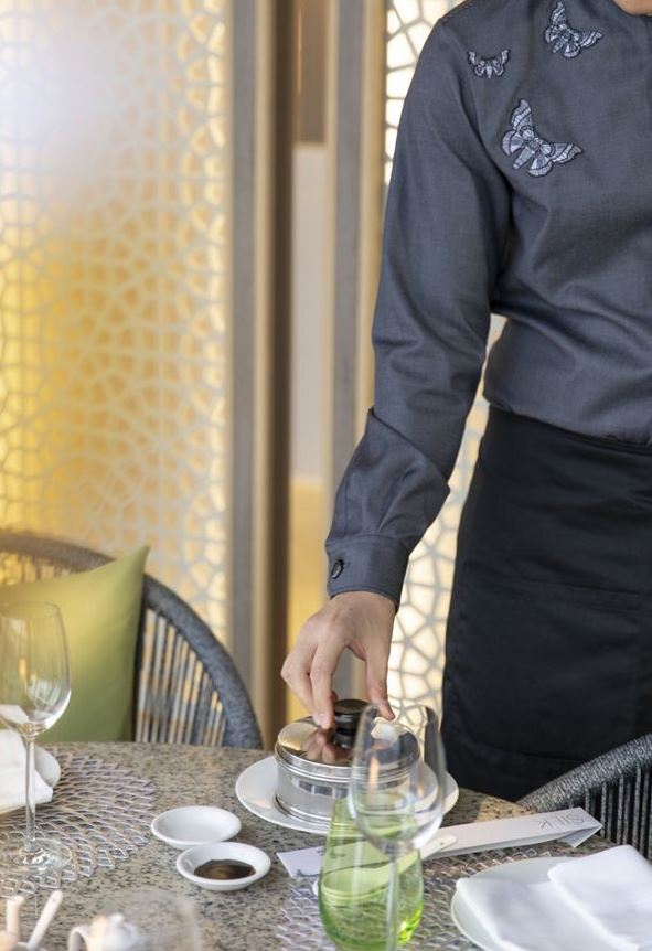 Crystal Serenity - Restaurant Silk Service