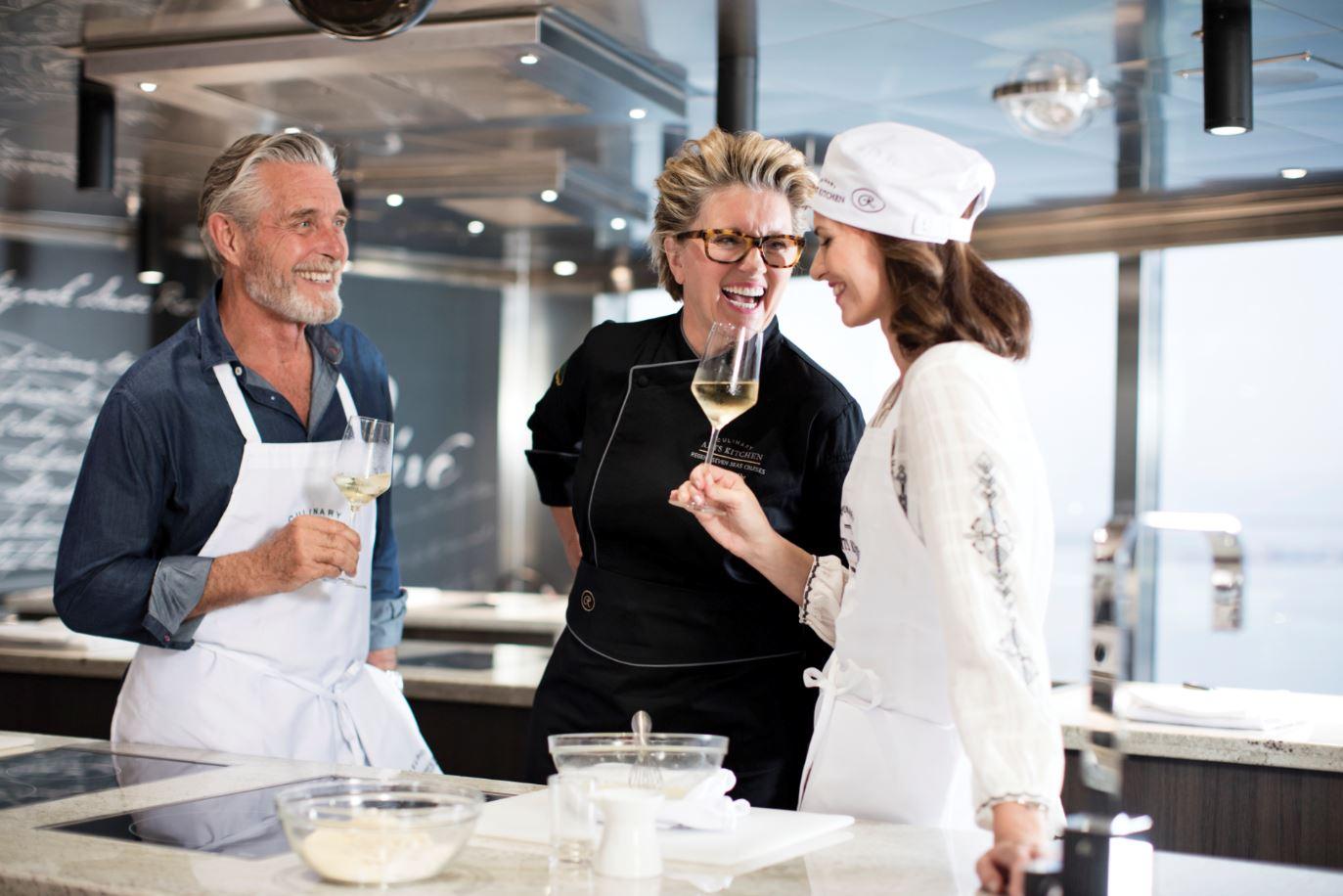 Seven Seas Explorer - Culinary Arts Kitchen Event-Kochschule 1