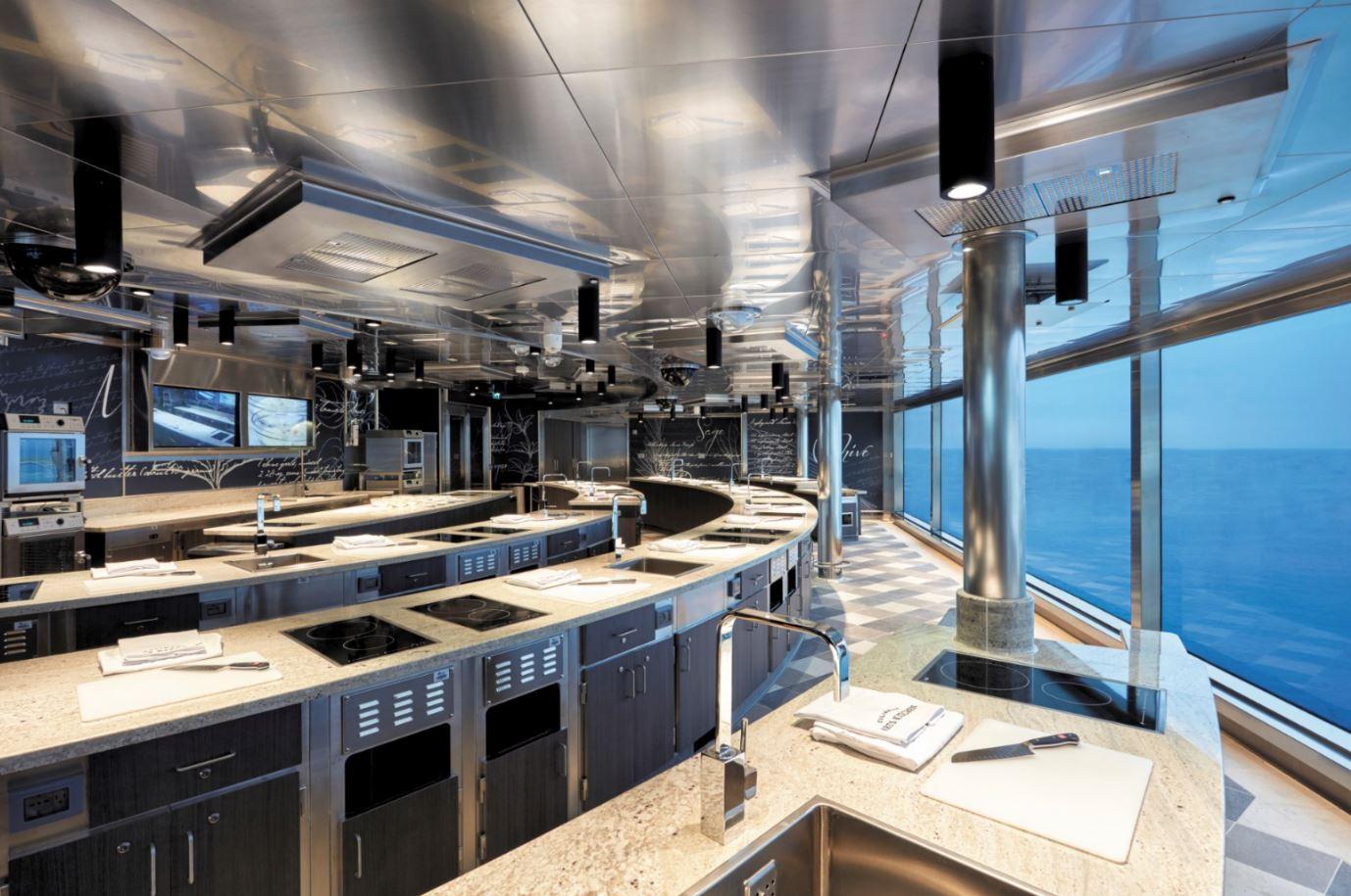 Seven Seas Explorer - Culinary Arts Kitchen Event-Kochschule 2