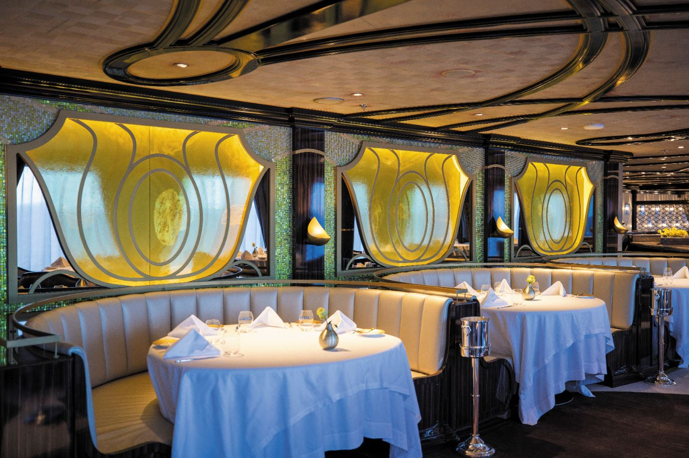 Seven Seas Splendor - Chartreuse Restaurant 3