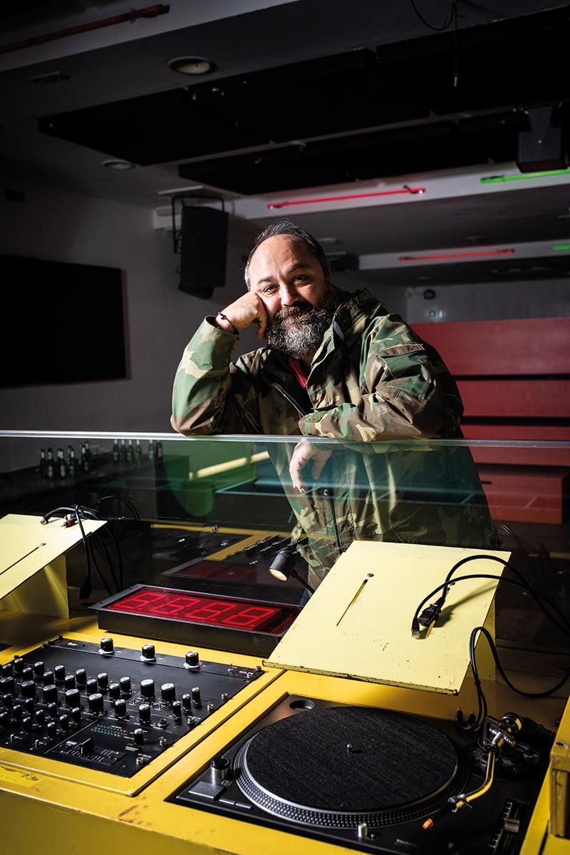 Ata Macias, DJ, Musiker & Betreiber des Clubs Robert Johnson Frankfurt am Main, © www.MISSYOU.BERLIN FOTO Heinrich Völkel/OSTKREUZ