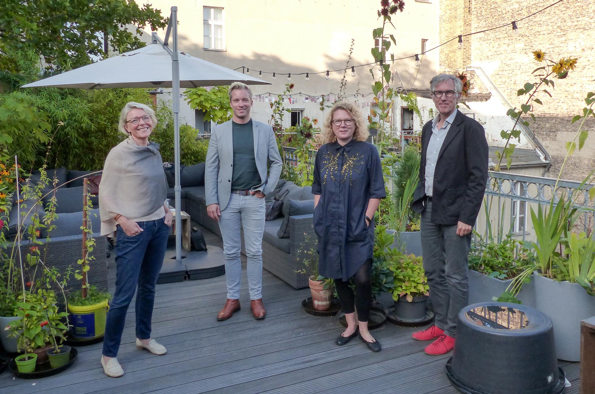 From left to right: Dr. Alexandra von Stosch, Tina Sauerländer, Ulrich Schrauth, Sabine Himmelsbach, Wolf Lieser, Not pictured: Astrid Kahmke, Courtesy: DKB (Deutsche Kreditbank)