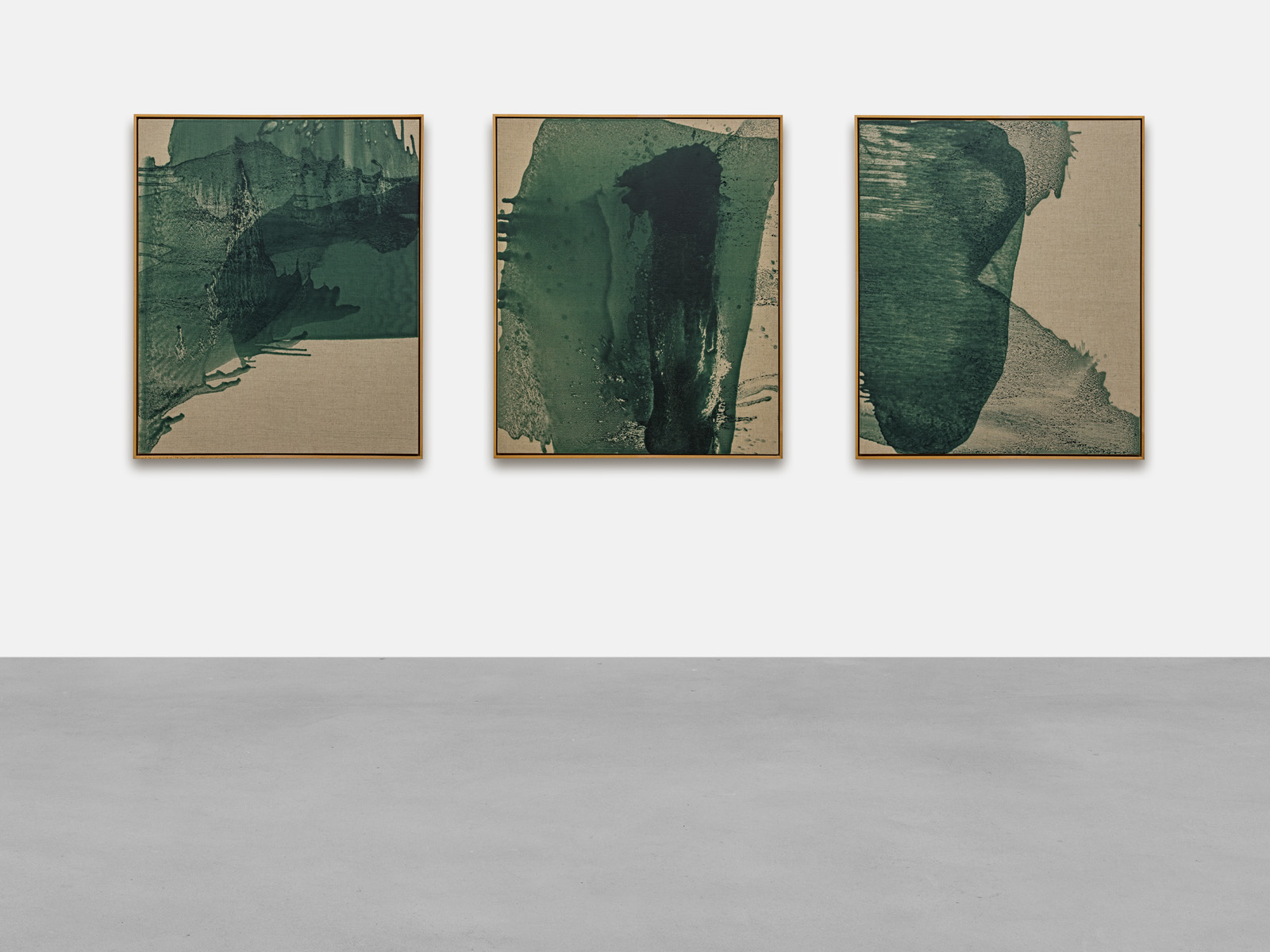Cabrita works from 'The moss suite', 2019 Woodtech (cin), lasur classic mate color 6392 and solvent on raw canvas Each 120.5 x 101 cm | 47 1/2 x 39 3/4 in Photo: Lepkowski Studios Berlin © the artist and KEWENIG Berlin
