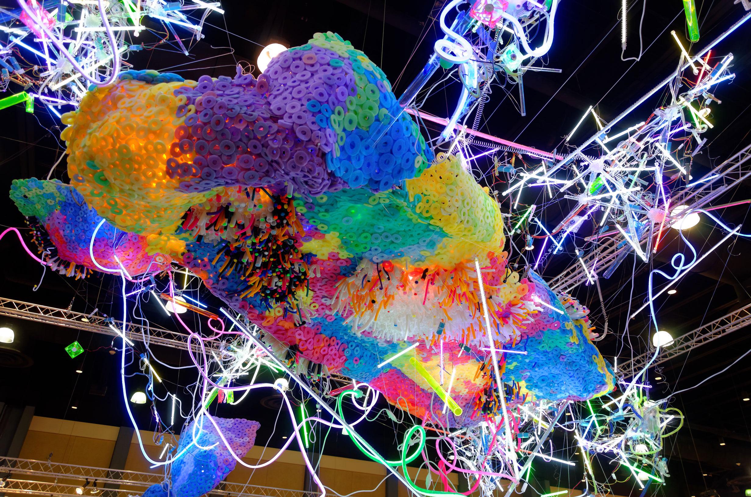 Adela Andea, Primordial Garden Flex Neon, CCF Licht, Plexiglas, Schaumstoff Ausstellungsansicht, Art Palm Beach, Palm Beach, FL, USA, 2014 © Adela Andea