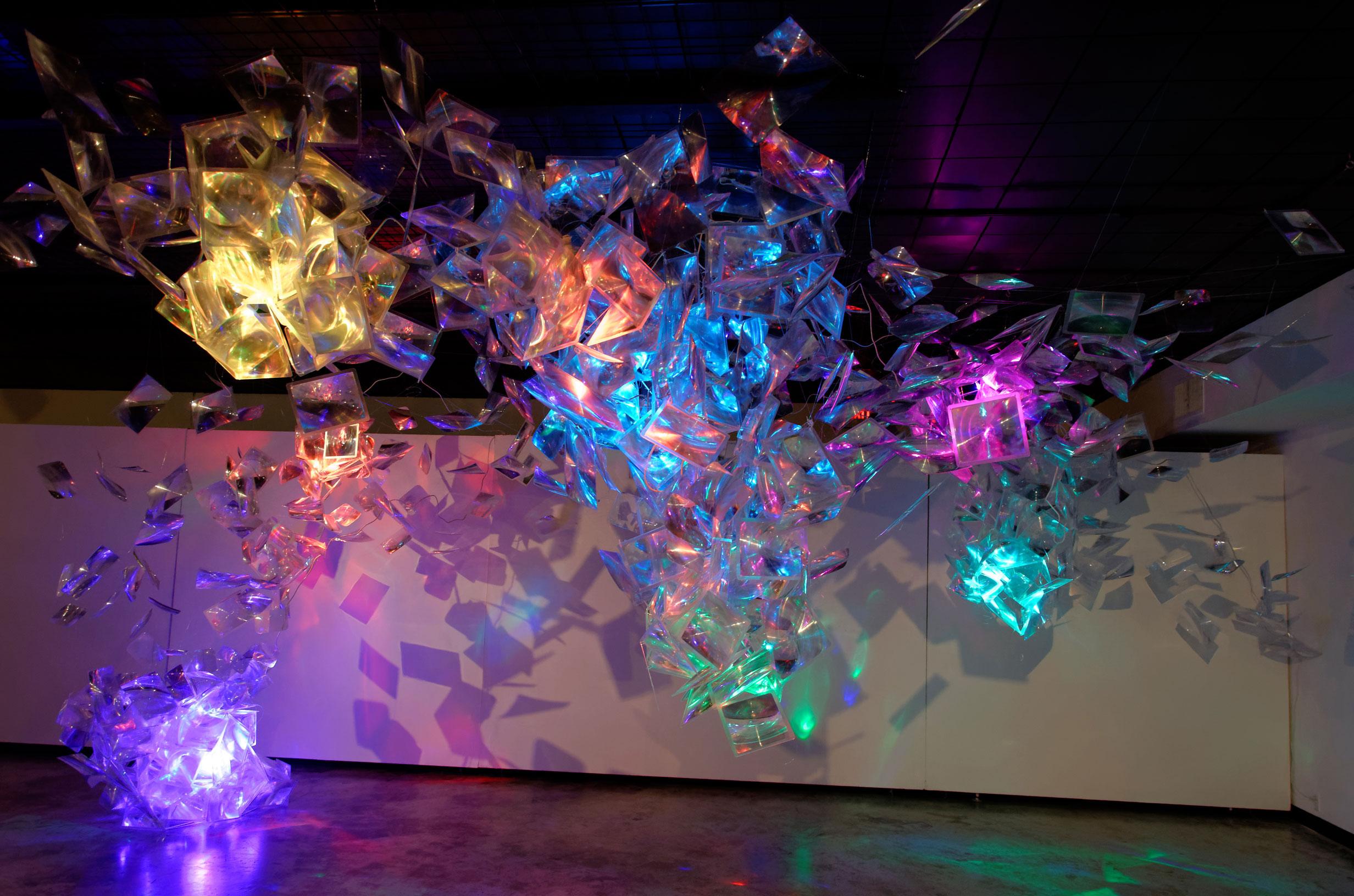 Adela Andea, Lux Lumens and Candelas LED Licht, Plexiglas, Fresnel Linsen, Ausstellungsansicht, Women and Their Work, Austin, TX, USA, 2014 © Adela Andea