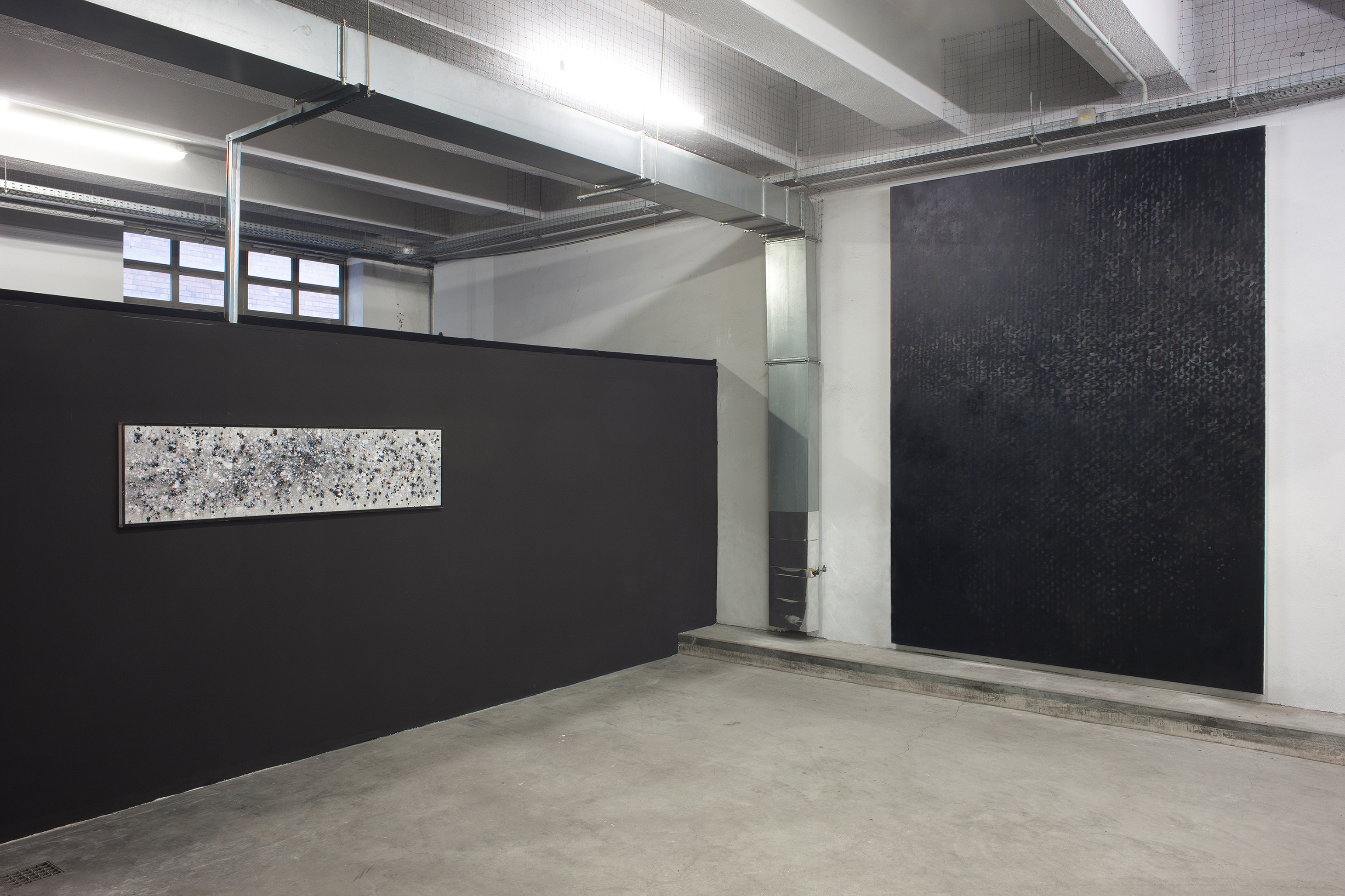 Canvas 01 - black painting by Erik Andersen - installation view from a group exhibition in Berlin