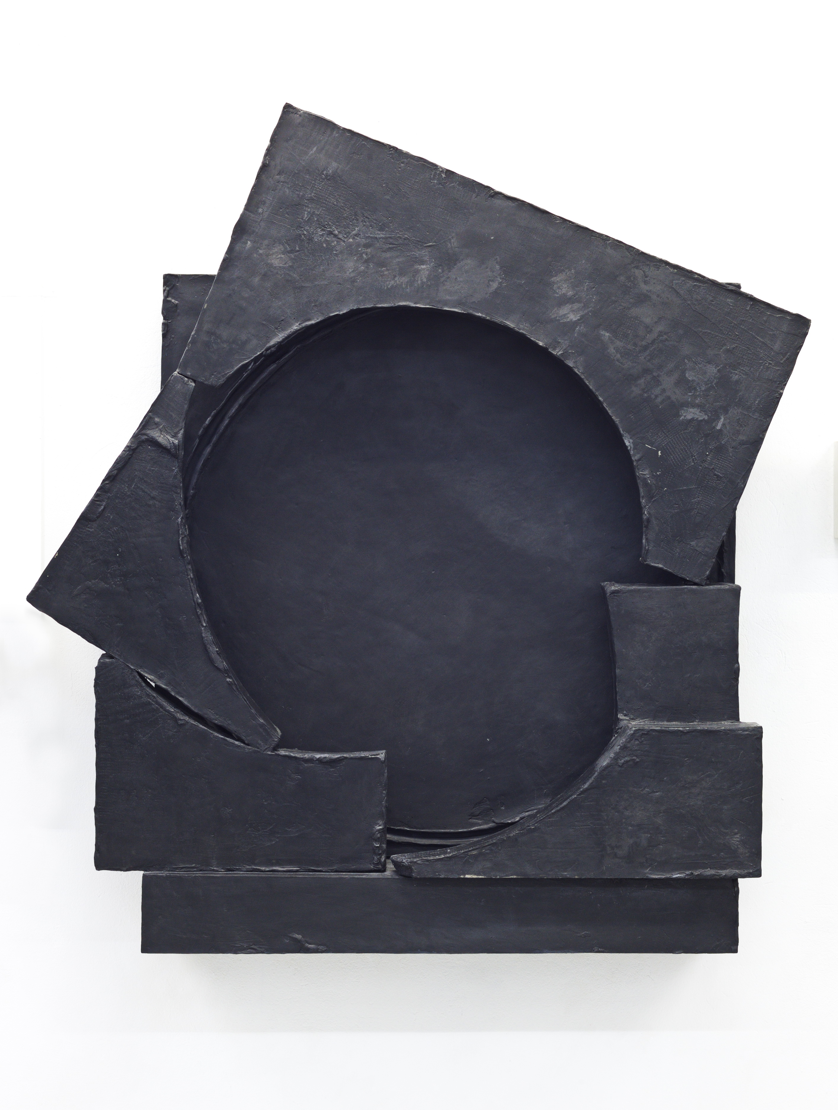 Artwork by Erik Andersen, Teresa, 2018, abstract skulpture made of epoxy resin and black pigment