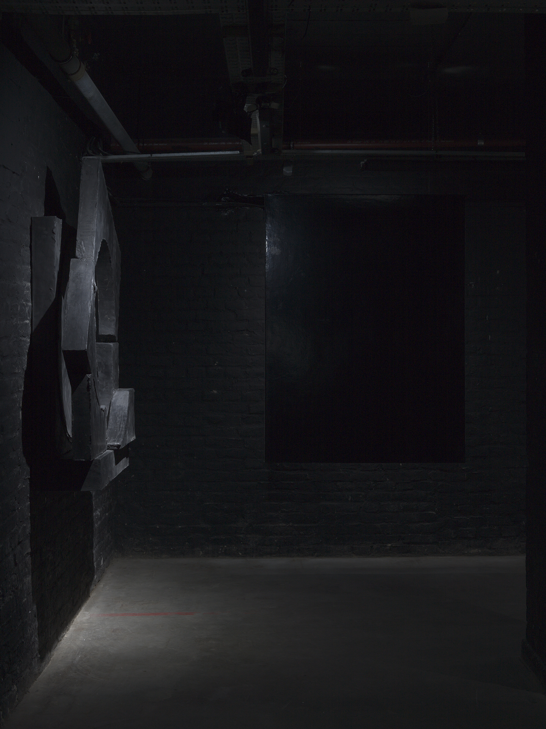 Installation Views - Ecstasies Teresa, 2018 - Group exhibition, Alte Münze, Berlin - black sculptures and painting by Erik Andersen