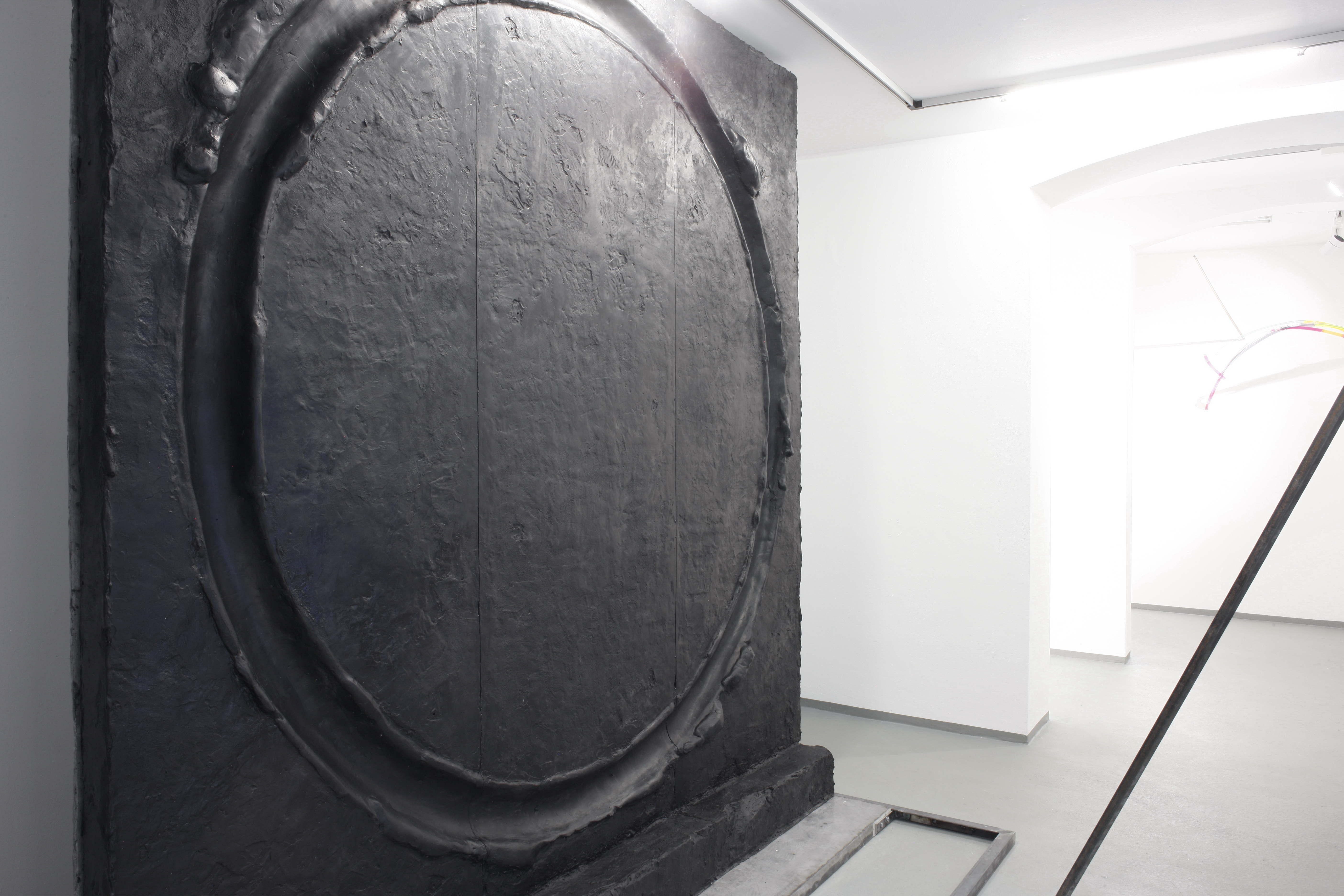 Installation View - God's Biometric Data, 2019 - Exhibition by Erik Andersen and Amit Goffer at Diskurs Berlin - Black sculpture by Erik Andersen