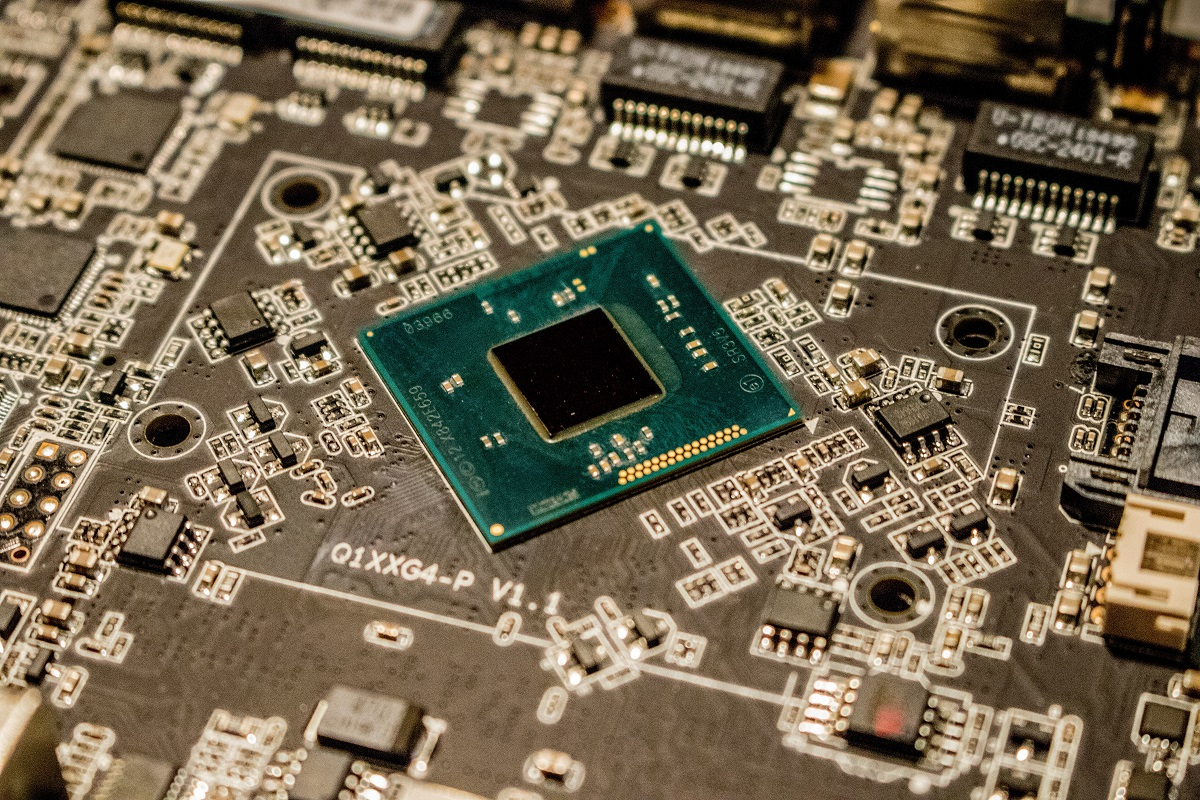 Rosenblatt Securities Believes Advanced Micro Devices (NASDAQ: AMD) Still Has Room to Grow