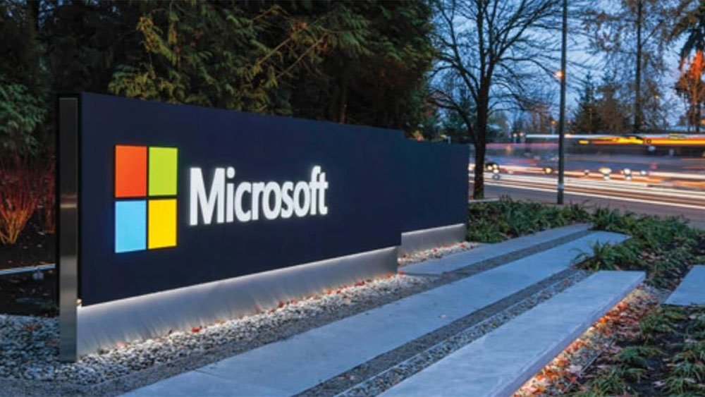 Microsoft Stock Shows Resilience Amid Tech Stock Swoon