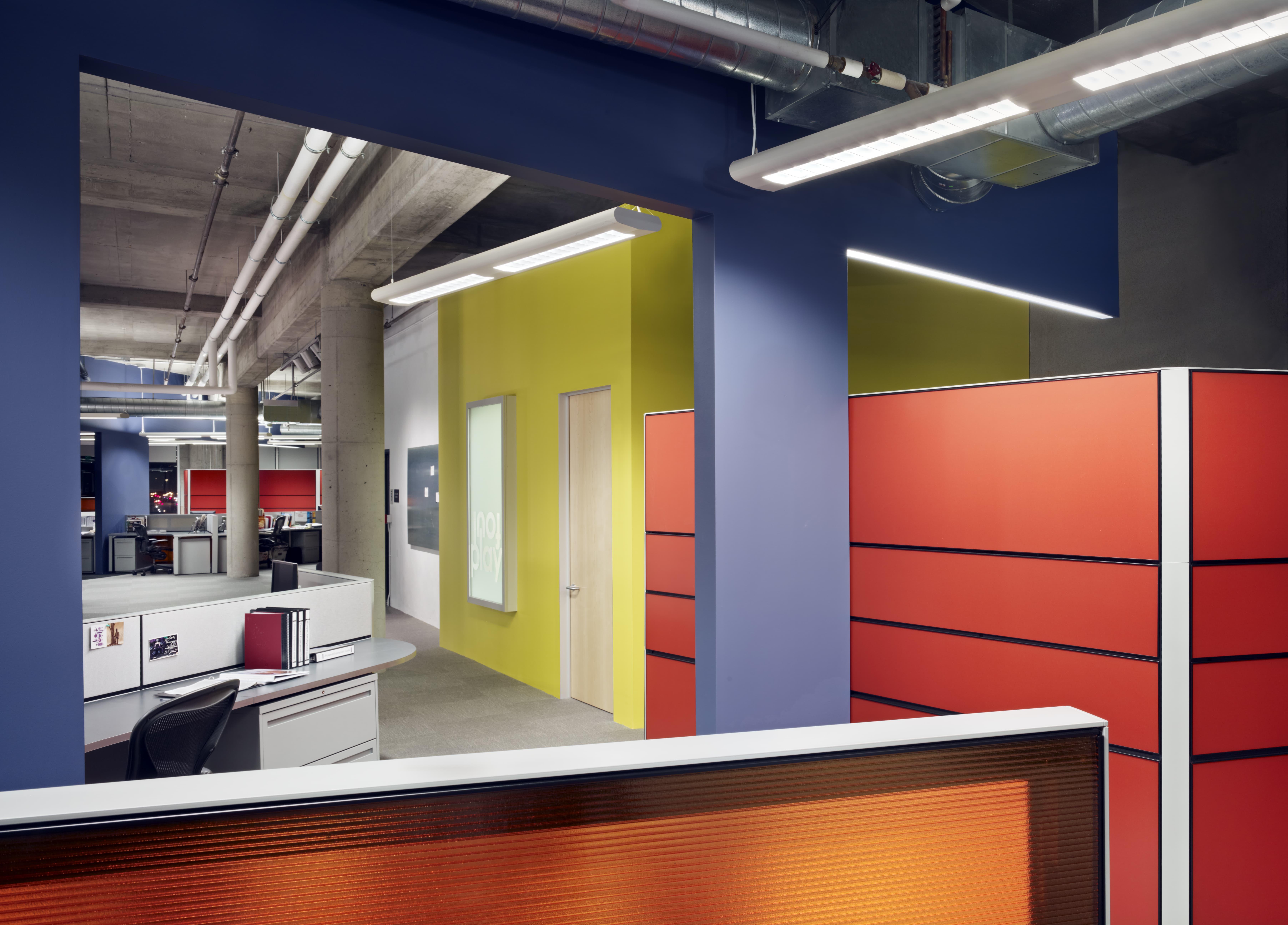 Carat \ Aegis Media by Quezada Architecture (Fred Quezada, Cecilia Quezada, Ed Tingley)