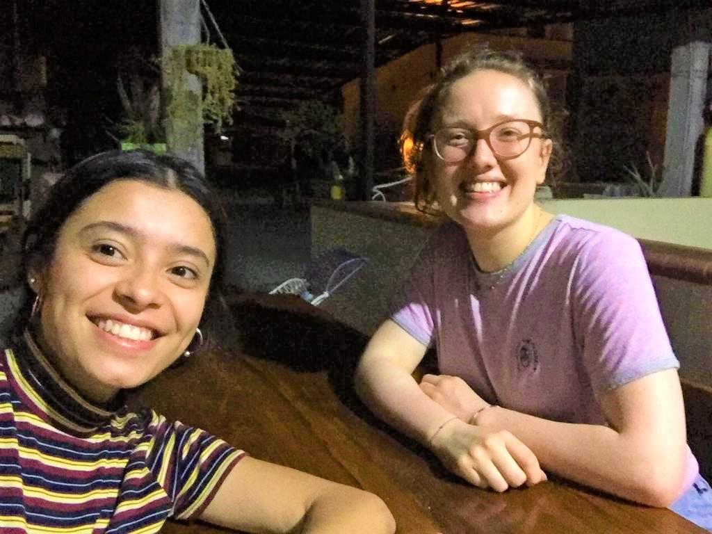 Henrike mit einer Freundin aus Kolumbien