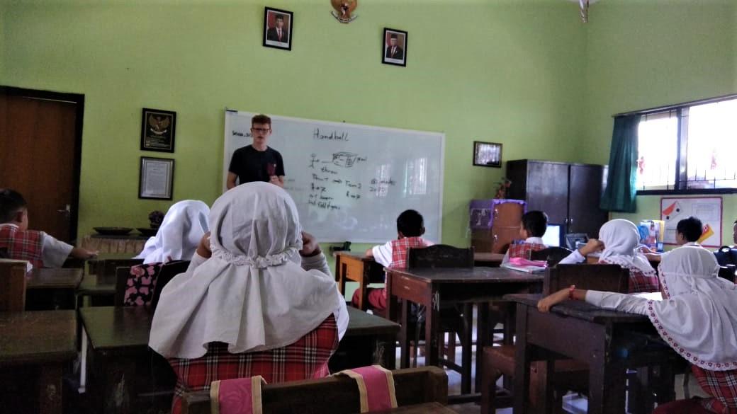 David am Unterrichten