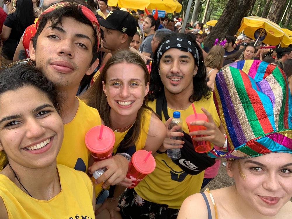 Lerne den brasilianischen Karneval hautnah kennen