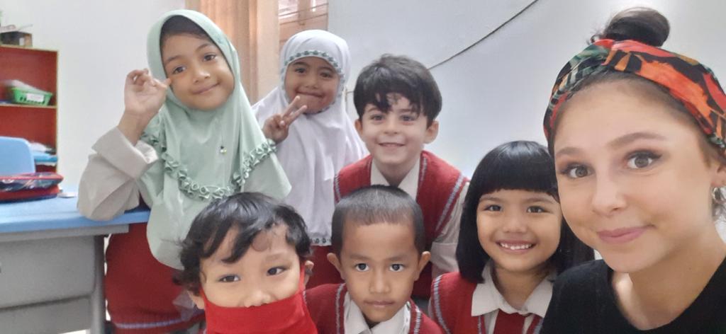 Karina in der Schule