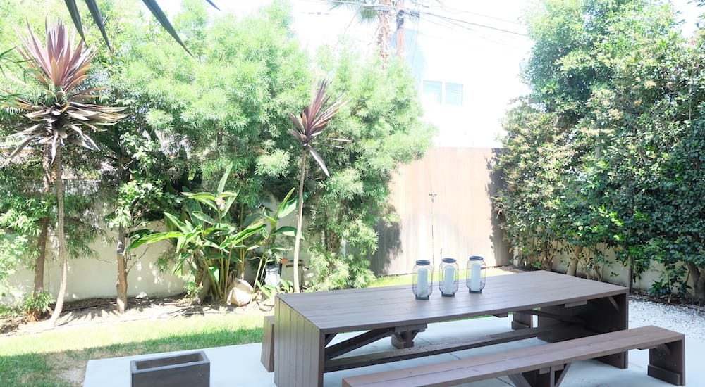 Venice Lincoln is a cool, new home, set in the tree-lined streets just off Lincoln Avenue. Venice Lincoln has plenty of space with a large living area and an outdoor garden. Your favourite cafes, shops and workout studios are all biking distance.