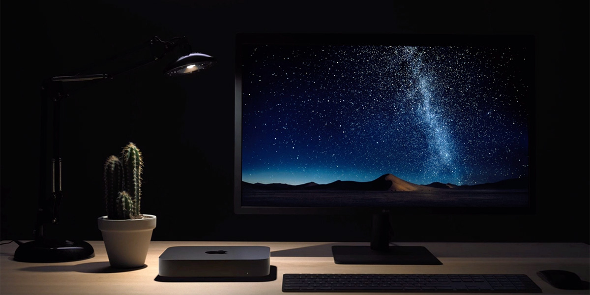 Mac mini on desk