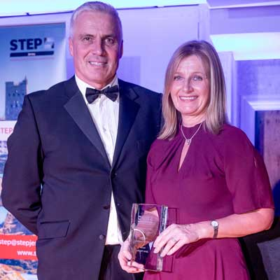 Jane Hayes ganha etapa estudante do ano Award