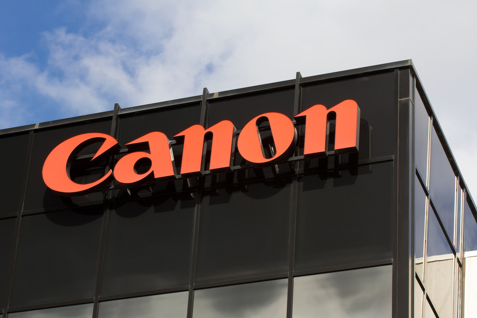 Canon Enters Digital Label Printing Market