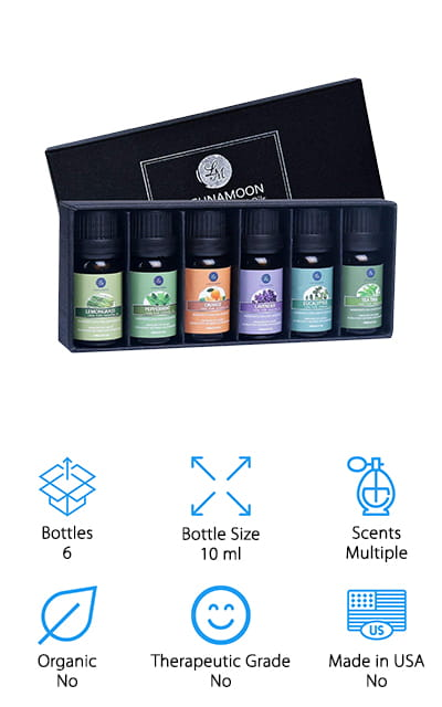 Last up is this great set of sweet-smelling essential oils from Lagunamoon. This is a great set that includes 10 ml bottles of 6 different scents: lemongrass, peppermint, orange, lavender, tea tree, and eucalyptus. You can use each on its own or mix to get the perfect blend to suit your needs. Each oil comes in an amber glass bottle to keep it protected from any harmful light that can affect the potency or the oil. You can use these oils for aromatherapy or mix them with your favorite soaps, creams, and lotions or even add a few drops to your bath water to experience a spa-like calm at home. This is a really nice set that comes packaged in a simple black box with a lid that would make a great gift.