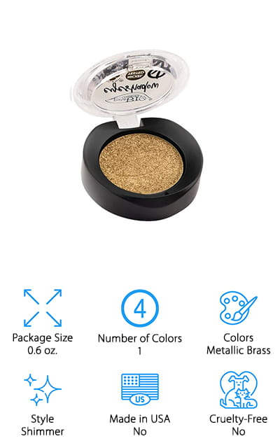 This is one of those organic eyeshadow brands you're going to want to take a closer look at because the products are great. You get a metallic brass color here with just the right amount of shimmer to really make your eyes pop. On top of that, you'll have the full color that you want and a texture that's somewhere in between a powder and a cream. You get to apply it either dry or wet to get just the right look for your personal style and preference. This product is designed to last up to 12 hours and it's fully organic and vegan. You won't find sulfates, mineral oils, formaldehyde, parabens, phthalates or a host of other chemicals in this product, so you can feel better about applying it to your skin.