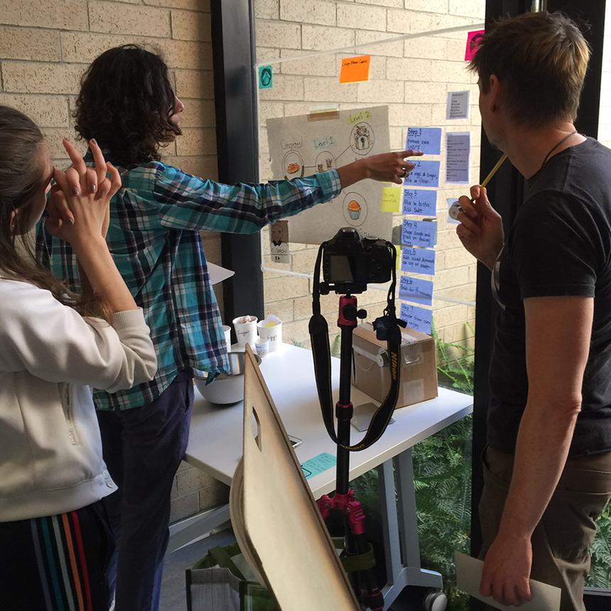 Low-fidelity prototype simulating AR experience