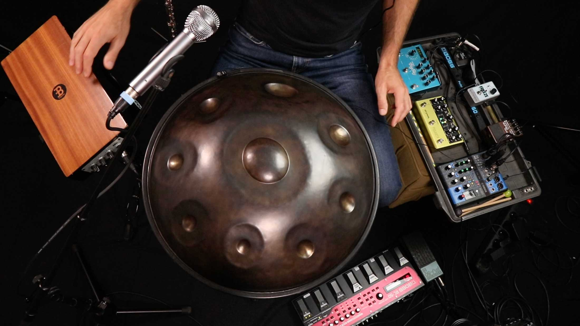 Live Looping & Soundscaping with a handpan