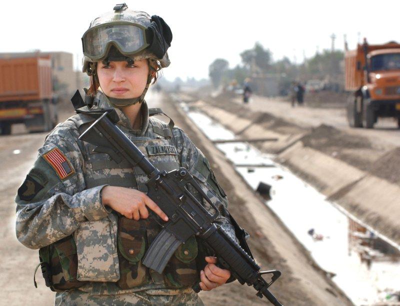 Les traumatismes crâniens chez les femmes–soldats américaines : femmes au foyer ou femmes au feu ?