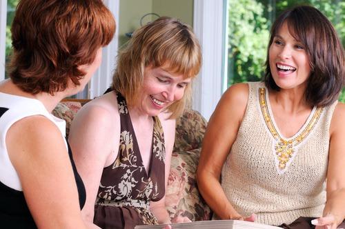 Les femmes en général plus satisfaites de leur vie que les hommes