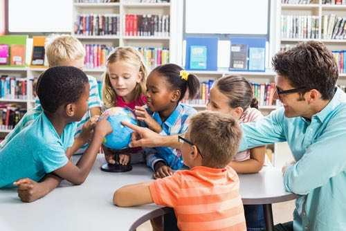 Comment le comportement pro-social vient aux enfants